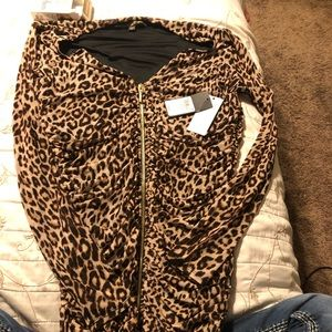 XL Leopard print raunched zip front dress guess